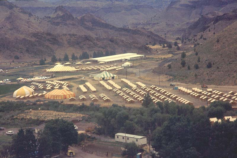 A tent city erected for the annual Rajneesh festival in 1983, shot by Samvado Gunnar Kossatz