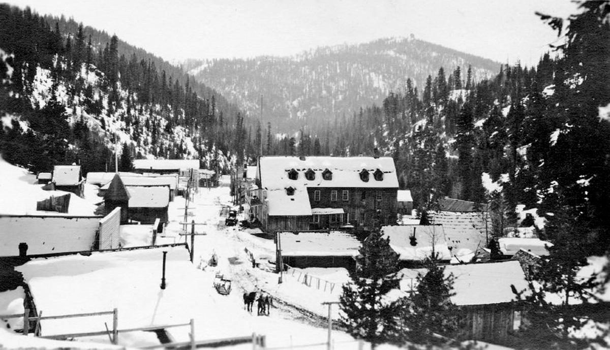 Bourne Snowy 1921 1200