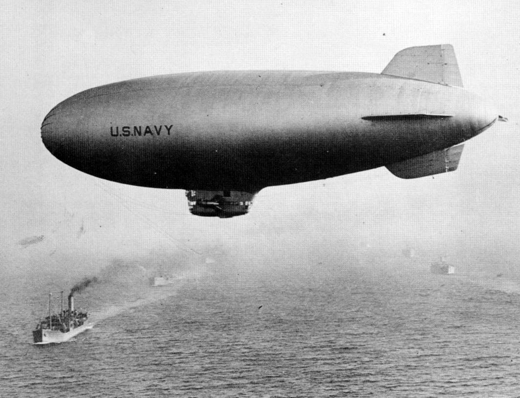 Blimp squadron defended against enemy subs, balloon bombs ...