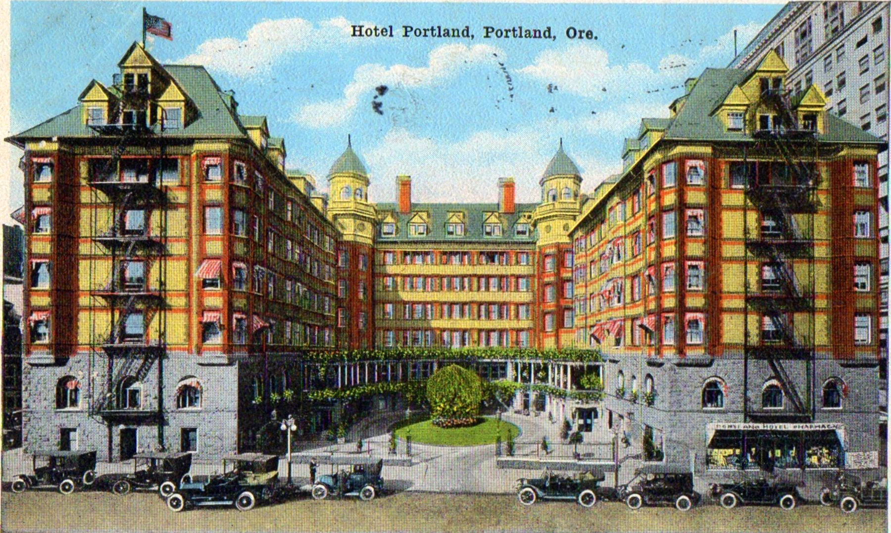 """Courthouse Square Once Was The Site Of Palatial """"Hotel"""